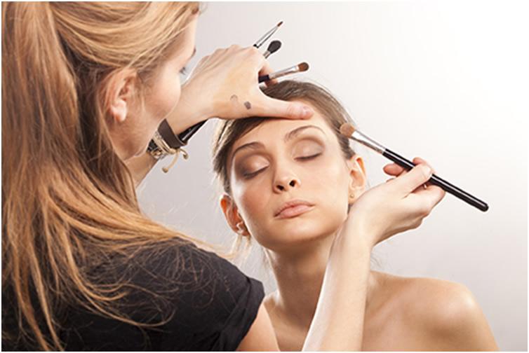 新手淡妆步骤 不可不知的化妆技巧